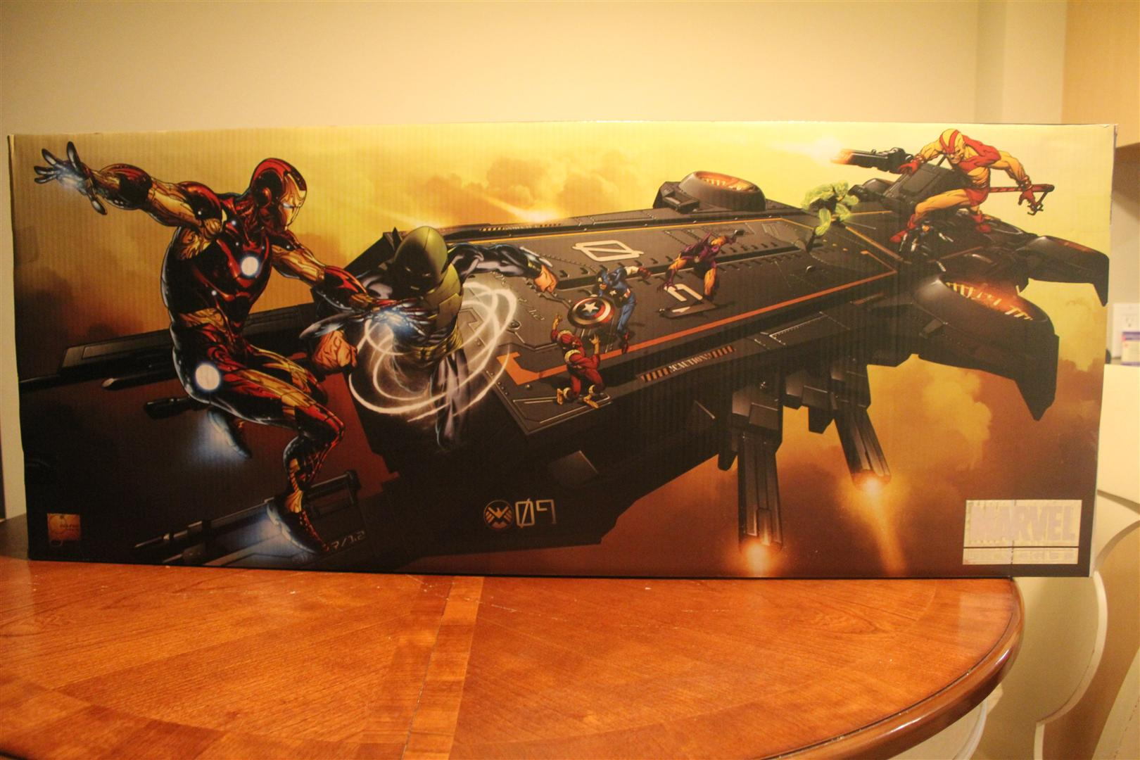 SDCC 2012 Exclusive Marvel Universe S.H.I.E.L.D. Helicarrier with Maria Hill and Captain America